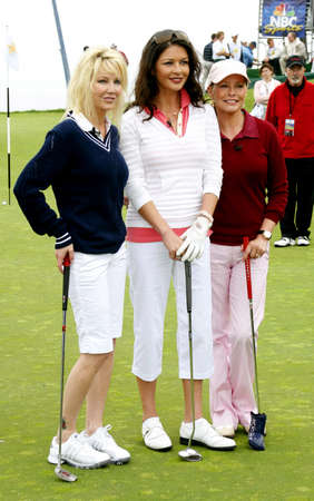 Heather Locklear, Catherine Zeta-Jones and Cheryl Ladd at the 9th Annual Michael Douglas & Friends Celebrity Golf Tournament held at the Trump National Golf Club in Rancho Palos Verdes, USA on April 29, 2007. Редакционное