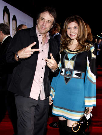 HOLLYWOOD, CA - NOVEMBER 09, 2009: Kevin Nealon and Susan Yeagley at the World premiere of 'Old Dogs' held at the El Capitan Theater in Hollywood, USA on November 9, 2009. 報道画像