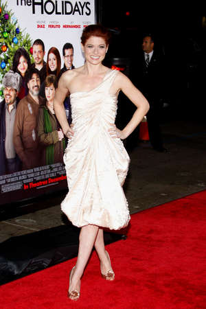 Debra Messing at the Los Angeles premiere of 'Nothing Like The Holidays' held at the Grauman's Chinese Theater in Hollywood on December 3, 2008. 報道画像