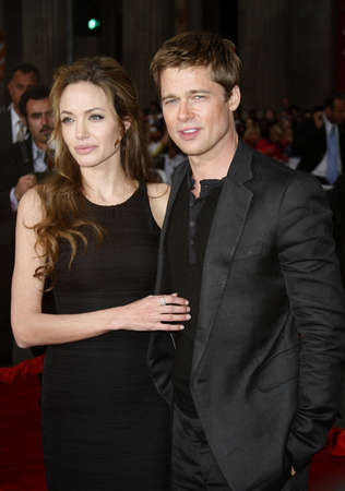 the oceans: Angelina Jolie and Brad Pitt at the Los Angeles Premiere of Oceans Thirteen held at the Graumans Chinese Theatre in Hollywood, USA, on June 5, 2006. Editorial
