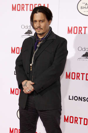Johnny Depp at the Los Angeles premiere of 'Mortdecai' held at the TCL Chinese Theater in Hollywood on January 21, 2015. 報道画像