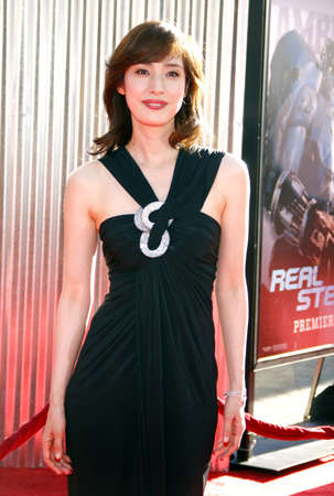gibson: Yuki Amami at the Los Angeles premiere of Real Steel held at the Gibson Amphitheatre in Universal City, USA on October 2, 2011. Editorial
