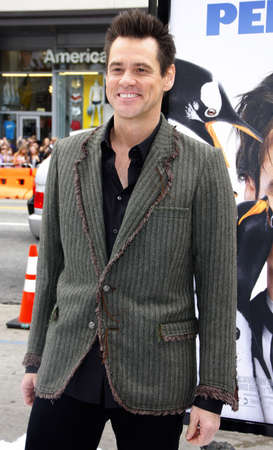 poppers: Jim Carrey at the Los Angeles premiere of Mr. Poppers Penguins held at the Graumans Chinese Theatre in Hollywood, USA on June 12, 2011. Editorial