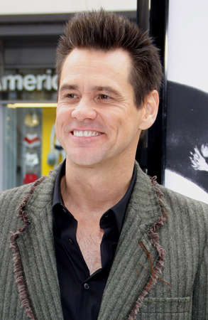 poppers: HOLLYWOOD, CA - JUNE 12, 2011: Jim Carrey at the Los Angeles premiere of Mr. Poppers Penguins held at the Graumans Chinese Theatre in Hollywood, USA on June 12, 2011. Editorial