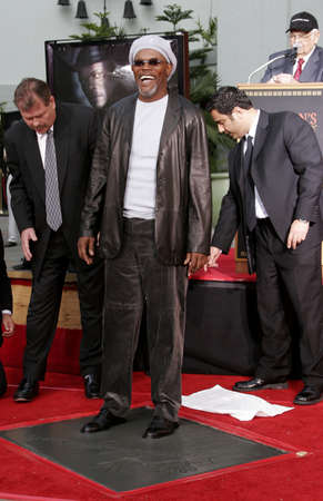 samuel: Samuel L. Jackson at the Hand & Footprint Ceremony for Samuel L. Jackson held at the Graumans Chinese Theatre in Hollywood, USA on January 30, 2006.