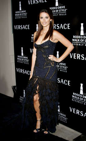 honoring: Penelope Cruz at the Rodeo Drive Walk Of Style Award honoring Gianni and Donatella Versace held at the Beverly Hills City Hall in Beverly Hills, USA on February 8, 2007.