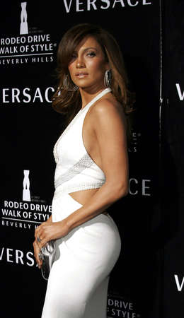 jennifer: Jennifer Lopez at the Rodeo Drive Walk Of Style Award honoring Gianni and Donatella Versace held at the Beverly Hills City Hall in Beverly Hills, USA on February 8, 2007. Editorial