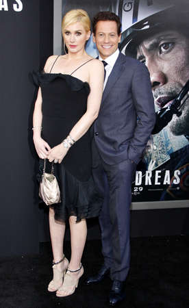 evans: Ioan Gruffudd and Alice Evans at the Los Angeles premiere of San Andreas held at the TCL Chinese Theater IMAX in Hollywood, USA on May 26, 2015.