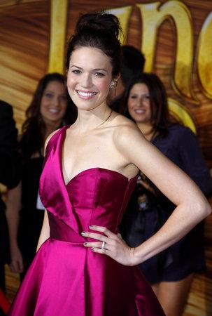 2010年11月14日、ハリウッドのエル・キャピタン劇場で開催された「もつれ」のロサンゼルスプレミアでマンディ・ムーア。