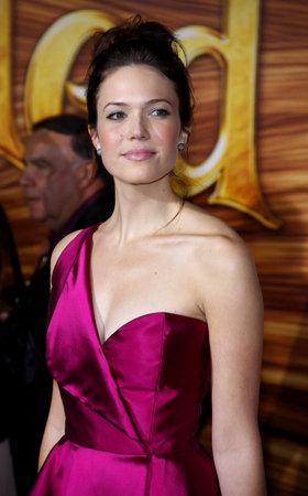 カリフォルニア州ロサンゼルスでマンディ ・ ムーアは、'もつれた' 2010 年 11 月 14 日にハリウッドのエル ・ キャピタン劇場で開催のプリミ
