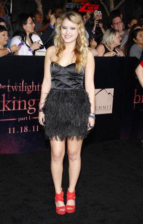 amanecer: Taylor Spreitler en la premier de Los Ángeles de 'La Saga Crepúsculo: Amanecer Parte 1' celebrada en el Nokia Theatre LA Live en Los Angeles el 14 de noviembre de 2011.