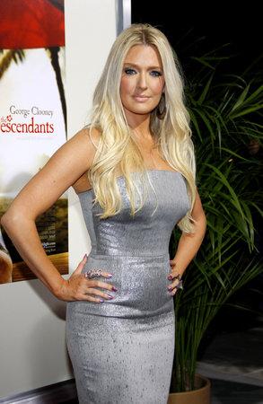 ロサンゼルスでエリカ ジェインは、2011 年 11 月 15 日にビバリーヒルズのアカデミーのサミュエルゴールドウィン劇場で開催された ' の子孫」の