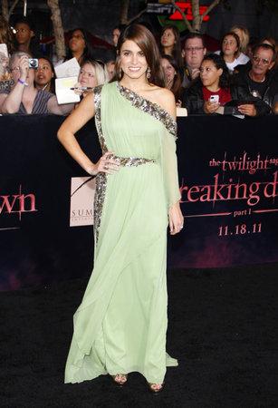amanecer: Nikki Reed en el estreno de Los �ngeles de 'La Saga Crep�sculo: Amanecer Parte 1' celebrada en el Nokia Theatre LA Live en Los Angeles el 14 de noviembre de 2011.