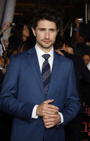 amanecer: Matt Dallas at the Los Angeles premiere of The Twilight Saga: Breaking Dawn Part 1 held at the Nokia Theatre L.A. Live in Los Angeles on November 14, 2011.