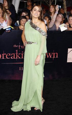 amanecer: Nikki Reed en el estreno de Los Ángeles de 'La Saga Crepúsculo: Amanecer Parte 1' celebrada en el Nokia Theatre LA Live en Los Angeles el 14 de noviembre 2011