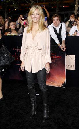 amanecer: Heather Locklear en la premier de Los �ngeles de 'La Saga Crep�sculo: Amanecer Parte 1' celebrada en el Nokia Theatre LA Live en Los Angeles el 14 de noviembre de 2011.