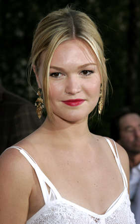 bourne: Julia Stiles at the Los Angeles premiere of The Bourne Ultimatum held at the ArcLight Cinemas in Hollywood, USA on July 25, 2007. Editorial