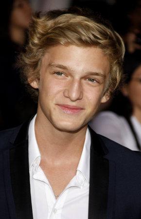 amanecer: Cody Simpson en la premier de Los �ngeles de 'La Saga Crep�sculo: Amanecer Parte 1' celebrada en el Nokia Theatre LA Live en Los Angeles el 14 de noviembre de 2011. Editorial
