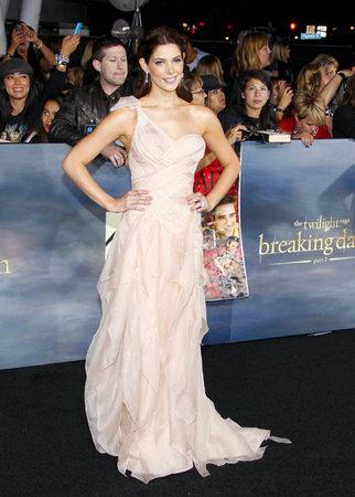 amanecer: Ashley Greene en la premier de Los Ángeles de 'La Saga Crepúsculo: Amanecer - Parte 2' celebrada en el Nokia Theatre LA Live en Los Angeles el 12 de noviembre de 2012.