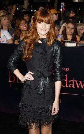 amanecer: Bella Thorne en el estreno de Los �ngeles de 'La Saga Crep�sculo: Amanecer Parte 1' celebrada en el Nokia Theatre LA Live en Los Angeles el 14 de noviembre de 2011.