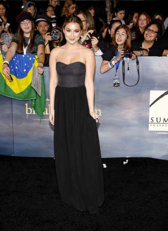 amanecer: Alexa Vega en la premier de Los �ngeles de 'La Saga Crep�sculo: Amanecer - Parte 2' celebrada en el Nokia Theatre LA Live en Los Angeles el 12 de noviembre de 2012. Editorial