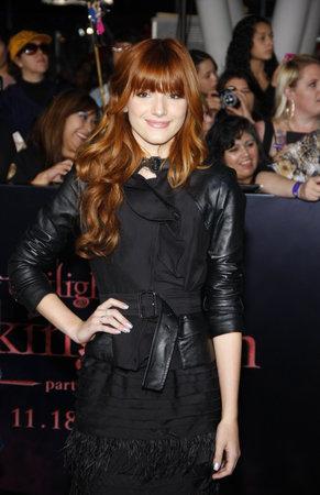 amanecer: Bella Thorne en el estreno de Los Ángeles de 'La Saga Crepúsculo: Amanecer Parte 1' celebrada en el Nokia Theatre LA Live en Los Angeles el 14 de noviembre de 2011.