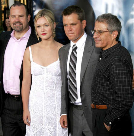 bourne: Marc Shmuger, Julia Stiles, Matt Damon and Ron Meyer at the Los Angeles premiere of 'The Bourne Ultimatum' held at the ArcLight Cinemas in Hollywood, USA on July 25, 2007.