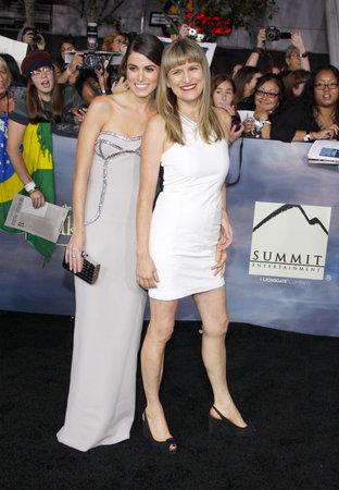 amanecer: Nikki Reed y Catherine Hardwicke en la premier de Los �ngeles de 'La Saga Crep�sculo: Amanecer - Parte 2' celebrada en el Nokia Theatre LA Live en Los Angeles el 12 de noviembre de 2012.
