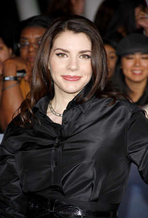 amanecer: Stephenie Meyer at the Los Angeles premiere of The Twilight Saga: Breaking Dawn - Part 2 held at the Nokia Theatre L.A. Live in Los Angeles on November 12, 2012. Editorial
