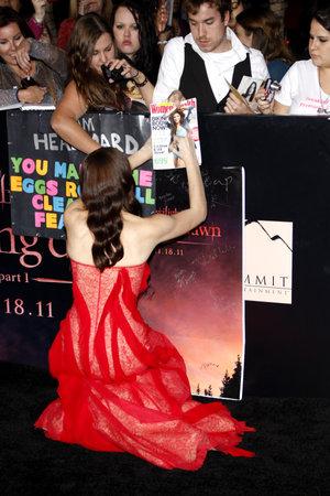 amanecer: Ashley Greene en la premier de Los Ángeles de 'La Saga Crepúsculo: Amanecer Parte 1' celebrada en el Nokia Theatre LA Live en Los Angeles el 14 de noviembre de 2011.