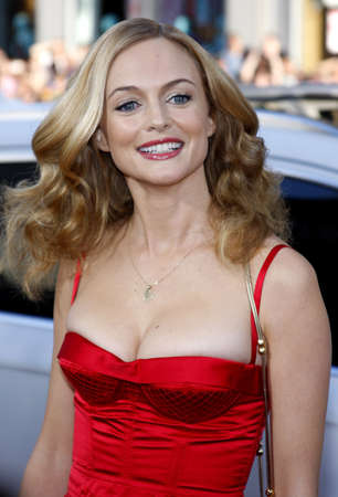 Heather Graham at the Los Angeles premiere of The Hangover held at the Graumans Chinese Theatre in Hollywood on June 2, 2009. Редакционное