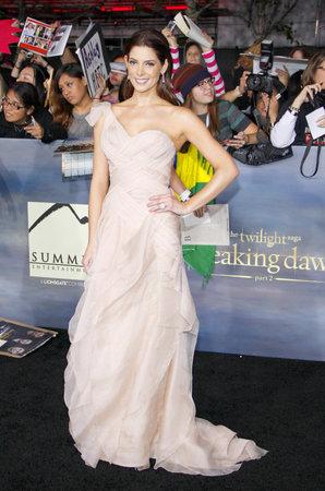 amanecer: Ashley Greene en la premier de Los �ngeles de 'La Saga Crep�sculo: Amanecer - Parte 2' celebrada en el Nokia Theatre LA Live en Los Angeles el 12 de noviembre 2012