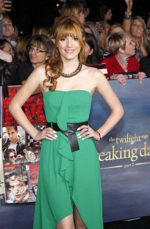 amanecer: Bella Thorne en el estreno de Los �ngeles de 'La Saga Crep�sculo: Amanecer - Parte 2' celebrada en el Nokia Theatre LA Live en Los Angeles el 12 de noviembre de 2012.