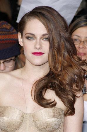 amanecer: Kristen Stewart en la premier de Los Ángeles de 'La Saga Crepúsculo: Amanecer - Parte 2' celebrada en el Nokia Theatre LA Live en Los Angeles el 12 de noviembre 2012