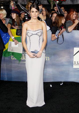 amanecer: Nikki Reed en el estreno de Los �ngeles de 'La Saga Crep�sculo: Amanecer - Parte 2' celebrada en el Nokia Theatre LA Live en Los Angeles el 12 de noviembre 2012