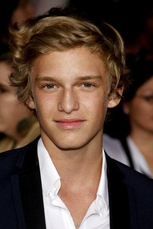 amanecer: Cody Simpson en la premier de Los Ángeles de 'La Saga Crepúsculo: Amanecer Parte 1' celebrada en el Nokia Theatre LA Live en Los Angeles el 14 de noviembre de 2011. Editorial