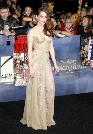 amanecer: Kristen Stewart en la premier de Los �ngeles de 'La Saga Crep�sculo: Amanecer - Parte 2' celebrada en el Nokia Theatre LA Live en Los Angeles el 12 de noviembre 2012