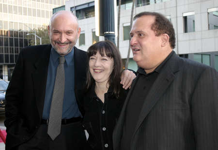 Frank Darabont, Frank Medrano and Niki Marvin at the 10th Anniversary Screening of The Shawshank Redemption held at the AMPAS in Beverly Hills, USA on September 23, 2004. 新聞圖片