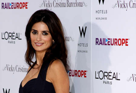 Penelope Cruz at the Los Angeles premiere of 'Vicky Cristina Barcelona' held at the Mann Village Theater in Westwood, USA on August 8, 2008. Redactioneel