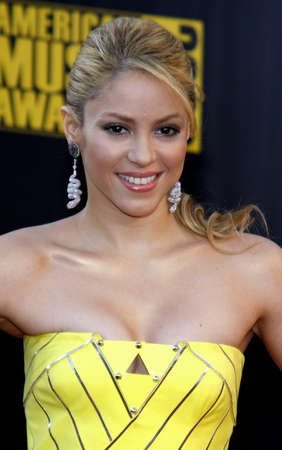 Shakira at the 2009 American Music Awards held at the Nokia Theater in Los Angeles, USA on November 22, 2009. 報道画像