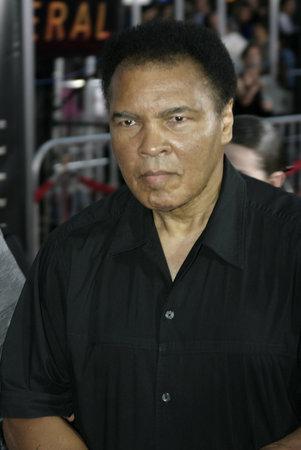 ロサンゼルスでモハメド ・ アリは、「担保」2004 年 8 月 2 日にアメリカ ・ ロサンゼルスのオーフィウム劇場で開催のプリミアします。 報道画像