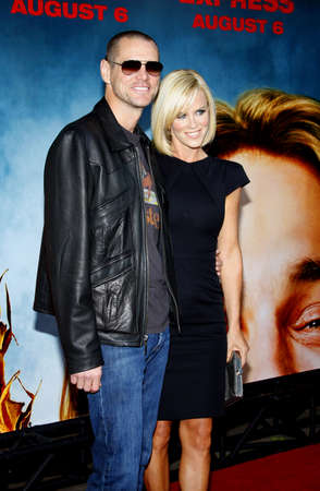 Jim Carrey and Jenny McCarthy at the Los Angeles premiere of Pineapple Express held at the Mann Village Theater in Los Angeles, USA on July 31, 2008. 報道画像