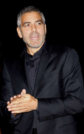 mann: George Clooney at the Los Angeles Premiere of Up In The Air held at the Mann Village Theater in Westwood, USA on November 30, 2009.