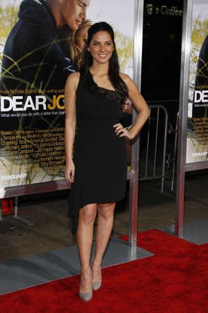 olivia: Olivia Munn at the World premiere of Dear John held at the Graumans Chinese Theater in Hollywood, USA on February 1, 2010.