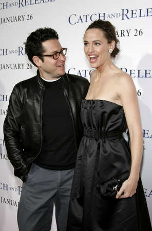 J.J. Abrams and Jennifer Garner at the Los Angeles premiere of 'Catch and Release' held at the Egyptian Theatre in Hollywood, USA on January 22, 2007. 新聞圖片