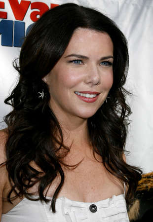 almighty: Lauren Graham at the World premiere of Evan Almighty held at the Universal Citywalk in Universal City, USA on June 10, 2007.