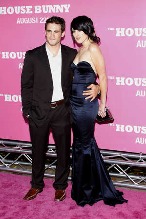 Micah Alberti and Rumer Willis at the Los Angeles premiere of 'House Bunny' held at the Mann Village Theatre in Westwood, USA on August 20, 2008. Standard-Bild - 111246088