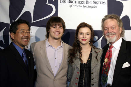 Jason Ritter, Amber Tamblyn and Russ Tamblyn at the Big Brothers Big Sisters of greater Los Angeles & the Inland Empire to honor top entertainment industry talent at 'Rising Stars' 2004 Gala held at the Beverly Hilton Hotel in Beverly Hills, USA on Novemb 新聞圖片