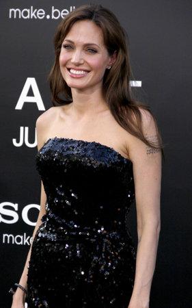 アンジェリーナ ・ ジョリーのロサンゼルス ・ プレミアで「塩」2010 年 7 月 19 日にアメリカ ハリウッドのグローマンズ ・ チャイニーズ ・ シアタ