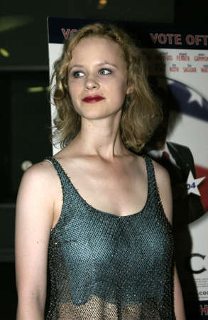 Thora Birch at the Los Angeles premiere of 'Silver City' held at the Arclight Cinemas in Hollywood, USA on September 14, 2004. Redactioneel